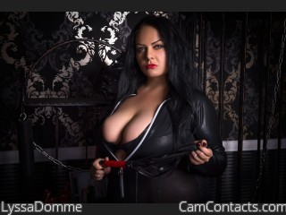 Fetish chat with Superior Nymph LyssaDomme longs for torture play