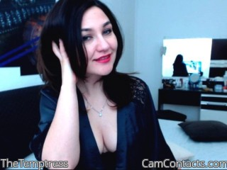 Live with English Mistress TheTemptress grasps to humiliate men